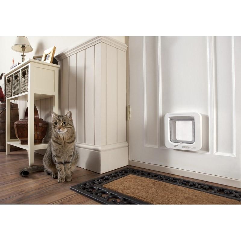 comment installer une chatiere sur une porte en bois infini photo. Black Bedroom Furniture Sets. Home Design Ideas