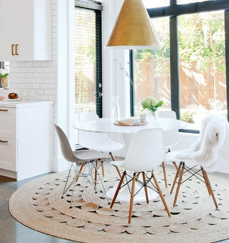 Table et chaise style scandinave for Table blanche et chaises