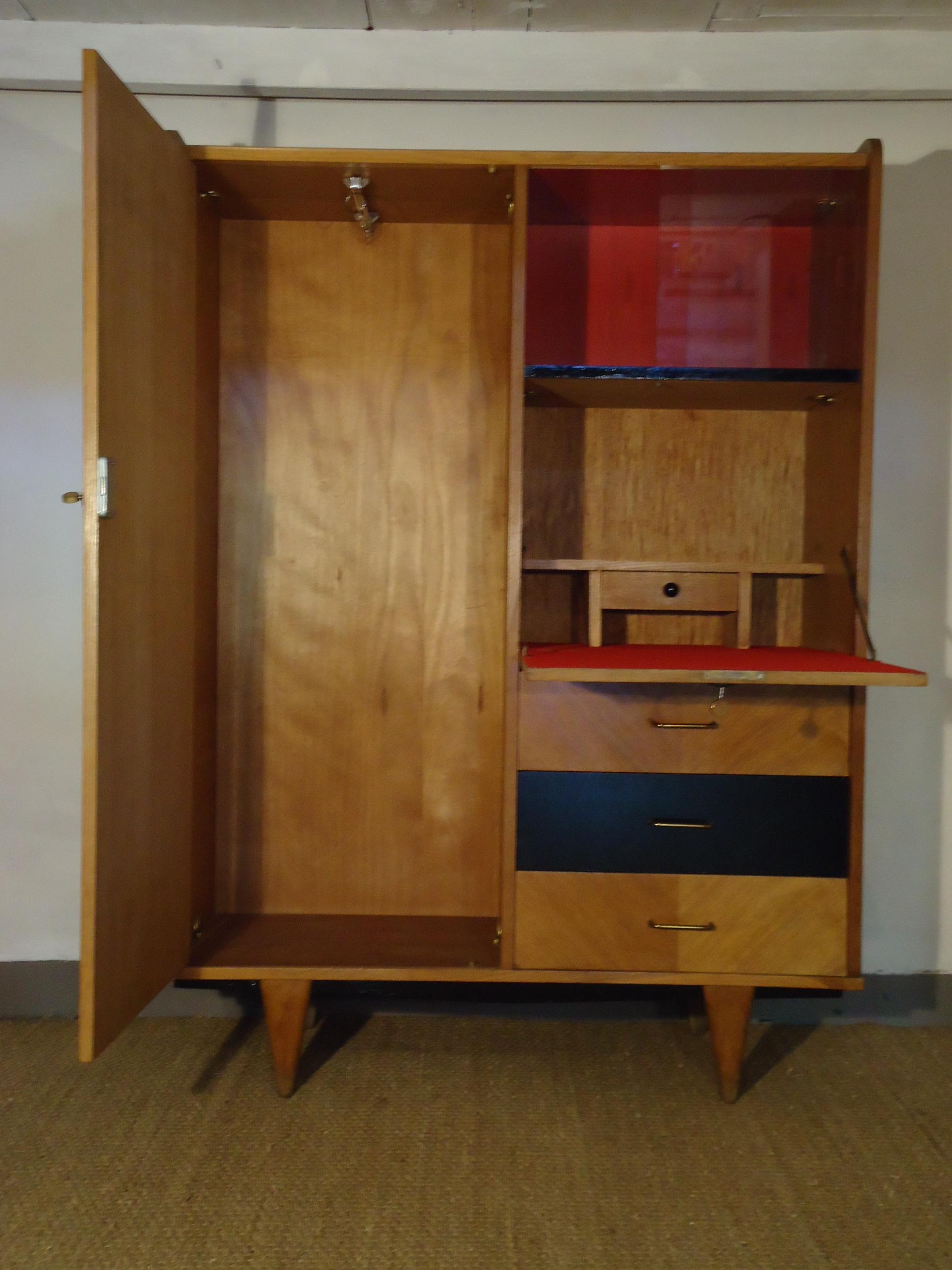 meuble tv danois infini photo. Black Bedroom Furniture Sets. Home Design Ideas